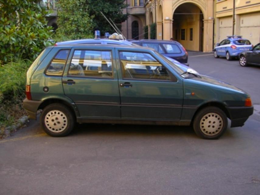 Auto rubata - Banda Uno verde 2