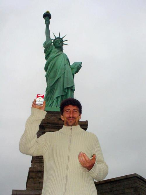 hubner statua